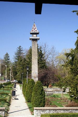 Stratford, Canada: Gardens and Tower