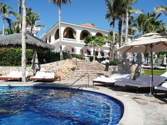 One & Only Palmilla: View from pool up to Terrace