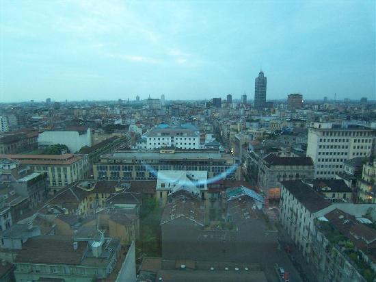 Michelangelo Hotel: 窓からの風景...良かったです。