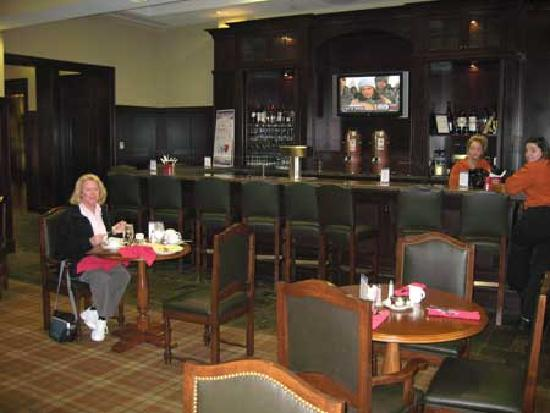 Sheraton Baltimore Washington Airport Hotel - BWI: Bar/restaurant