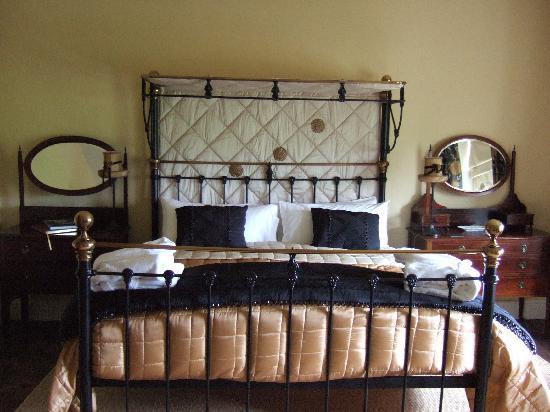 Anns Hill: bedroom