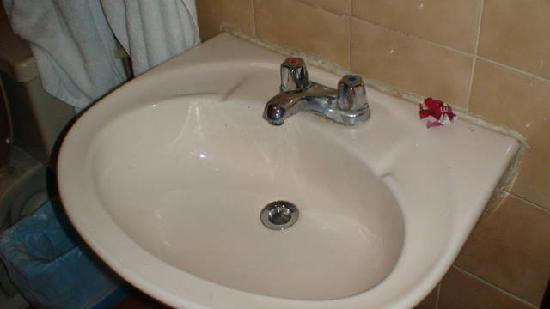 A dirty sink says a lot about its owner | Vanessa Feltz ...