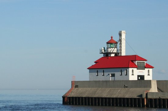 Duluth, Миннесота: Light House at Canal