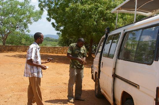 Scorpio Villas: Geoffrey and Gambo with safari van