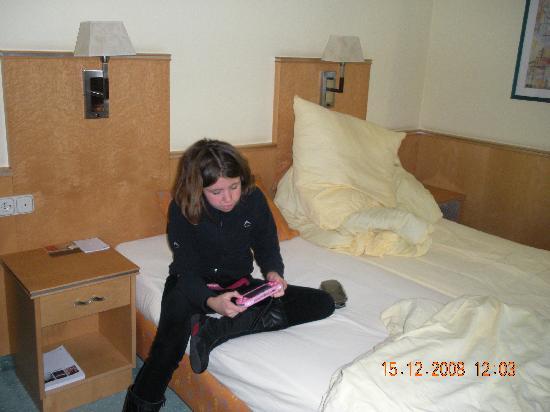Atrium Hotel Mainz: the bed
