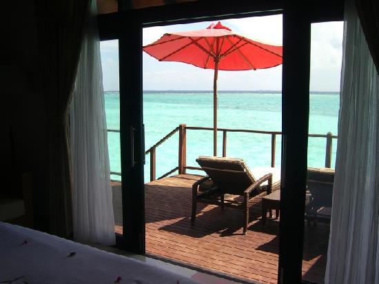 هيلتون إيرو فوشى ريزورت آند سبا في جزر المالديف: terrasse