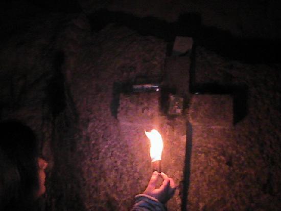 Yalta: Cross in cave