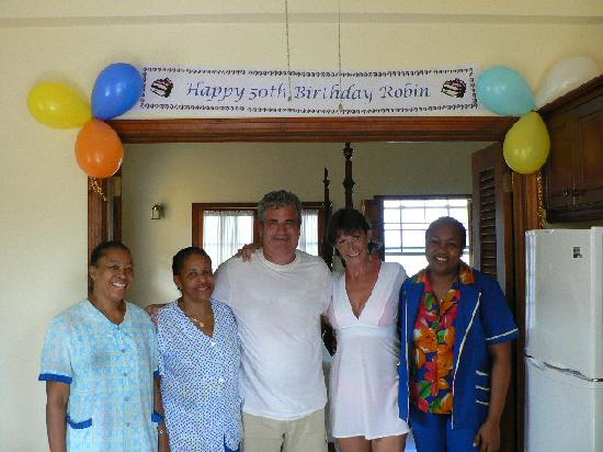 Villa Beach Cottages : The staff are like family - Clara, Jennifer and Neva help celebrate.