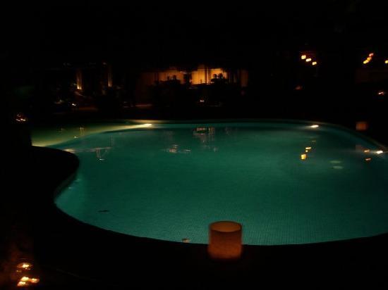 Arenas del Mar Beachfront & Rainforest Resort: 1st Pool