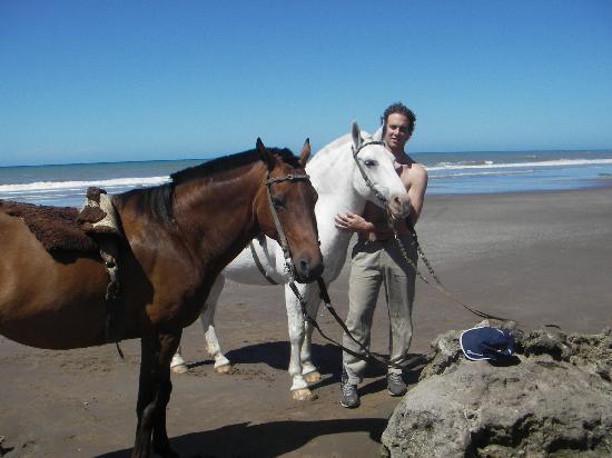Playa Balneario Los Angeles (a 30 km de la ciudad; Necochea tiene 63 km. de playa)