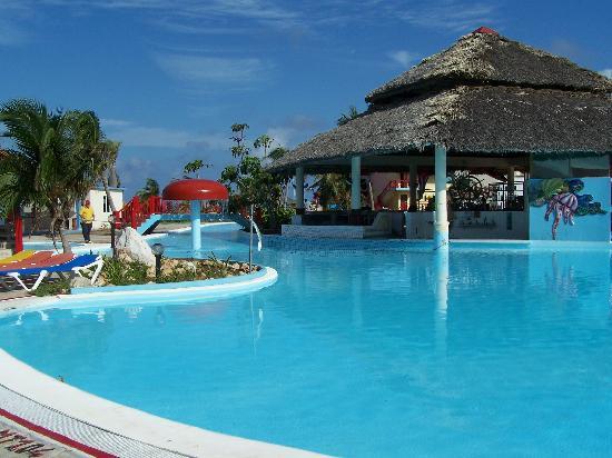 Brisas Covarrubias Hotel: The Pool