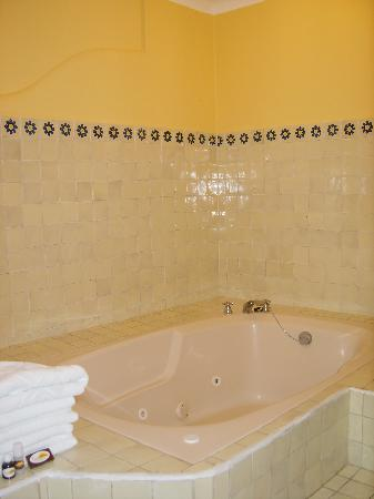 king suite junior jacuzzi
