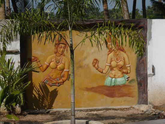 SANKAREST Villa: Sigiriya next to the pool