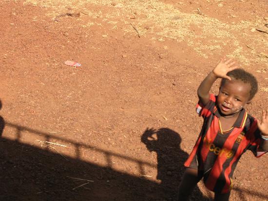 Timbuktu, Mali: Child greeting foreigners