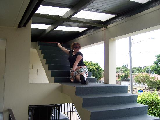 Airway Motel Brisbane: Stairs to nowhere!  Awesome!