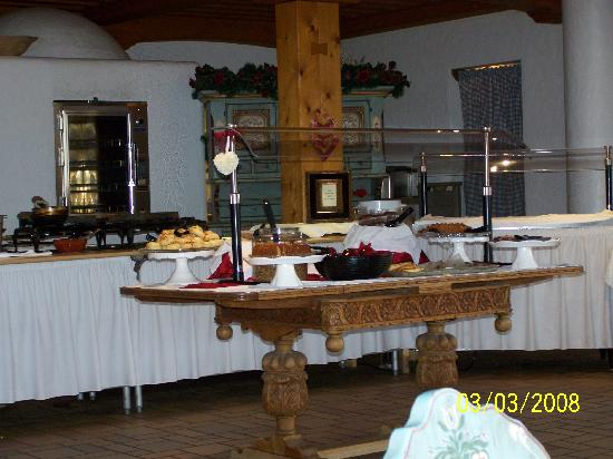 Enzian Inn: The breakfast spread