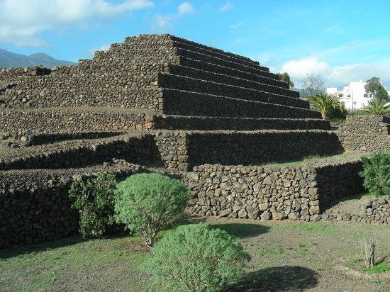 Teneryfa, Hiszpania: piramidi azteche