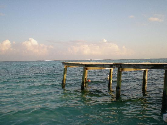 Ocean Tide Beach Resort: our pier where there at chairs to sunbathe