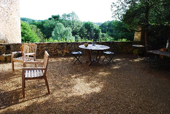 Chateau de Forges: The Patio which looks over the river at Forges Castle