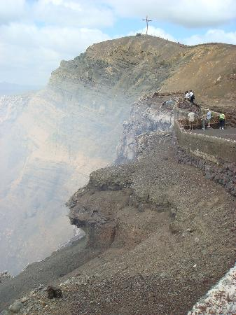 Hotel Plaza Colon : volcano and the sulfur rising... magical
