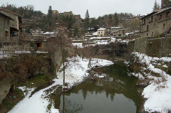 Rupit, إسبانيا: Rupit (Barcelona), superadas las intensas nevadas de Navidad y Año Nuevo 2009