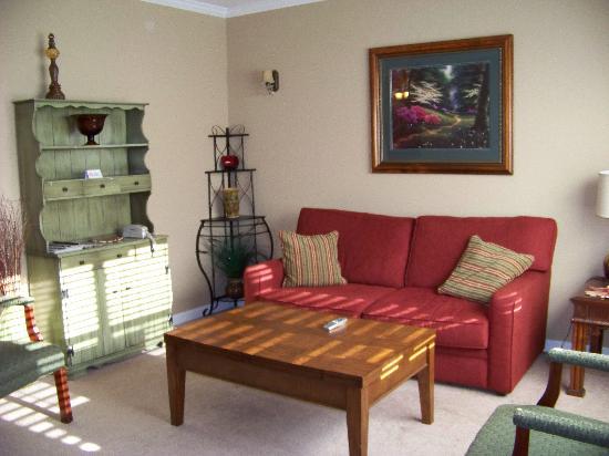 Park Place Hotel: Goergian Suite - Living Room