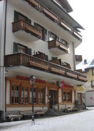‪‪Gstaad‬, سويسرا: Sporthotel Victoria in Winter‬