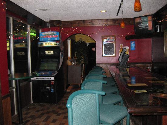 Shamrocks Sports Bar & Grill: back bar @ Shamrock's