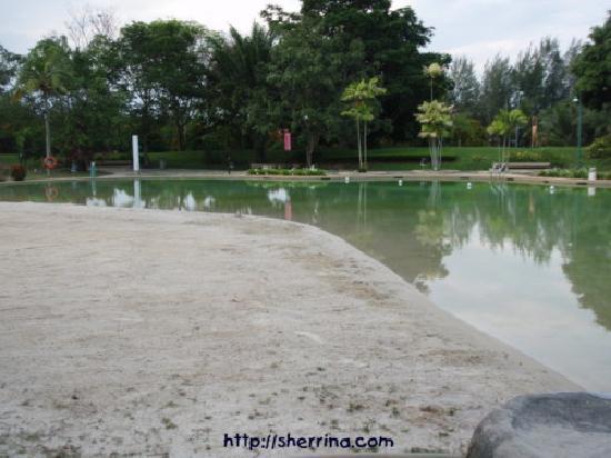 Duta Hacienda Riviera Resort : The so-called sand pool