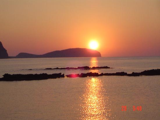Intertur Hotel Miami Ibiza: Es Cana sunset at back of hotel