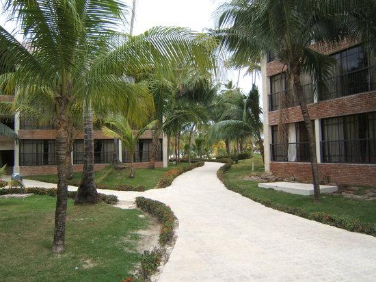 IFA Villas Bavaro Resort & Spa: Vers la plage