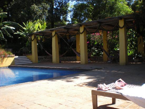 Quinta de las Flores: Hammocks by the pool