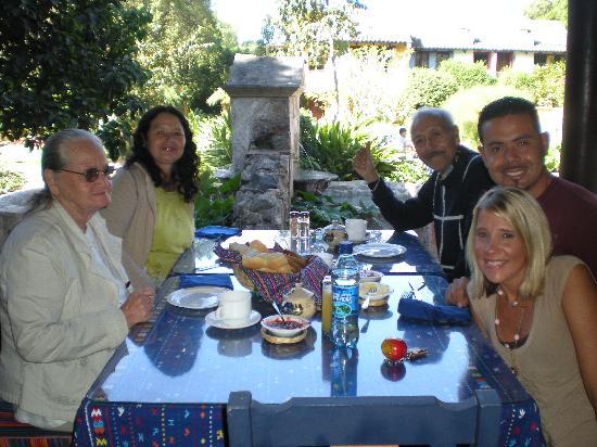 Quinta de las Flores: breakfast in hotel outdoor restaurant