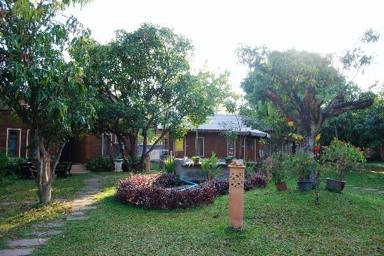 Gongkaew Chiangmai Home: Garden