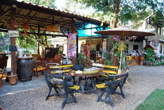 Gongkaew Chiangmai Home: Reception&Internet