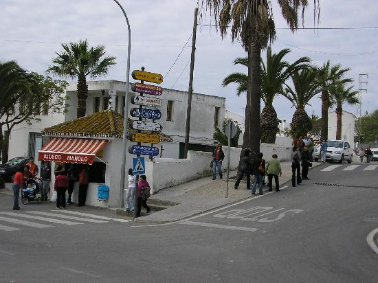 Hotel La Janda: Street in front of the hotel I