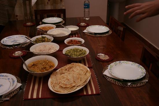 Mundax Homestay Yoga Retreat: Dinner!