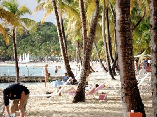 Le Rotabas: Beach Caravelle