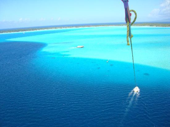 Four Seasons Resort Bora Bora: Bora Bora - Parasail tour
