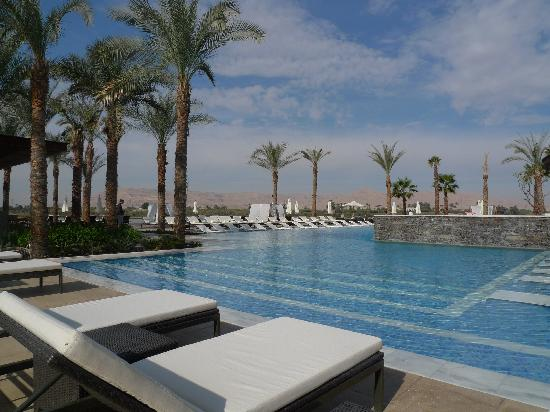 Hilton Luxor Resort & Spa: Large pool area