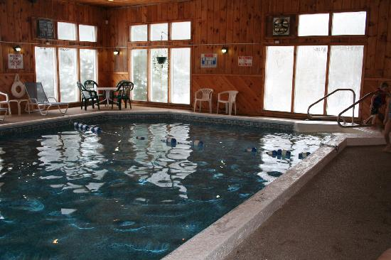 The Seasons Resort: Clubhouse Indoor Pool 12/08