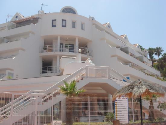 Castalia Vistamar: main entrance