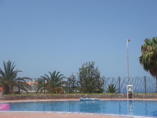 Castalia Vistamar : pool view 2