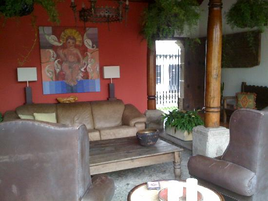 Hotel Casa La Capilla: Front living area