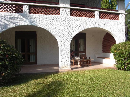 Pinewood Beach Resort & Spa: Suite 130 terrace