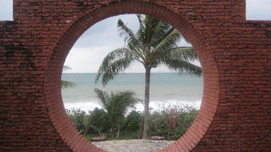 Some Days of Silence Resort & Spa : View of the beach