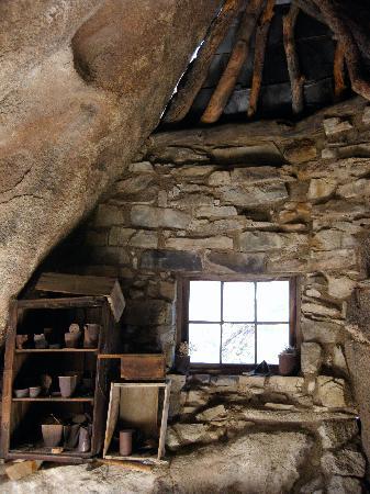 Sacred Sands: The old miners cabin at eagle cliffs