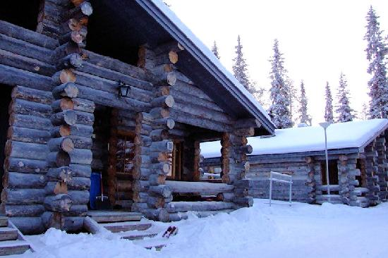 The outside of our log cabin - Kuusiruka 10