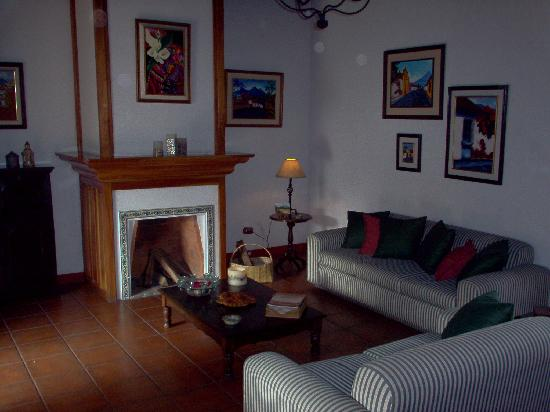 Hostal San Nicolas: Cozy living room