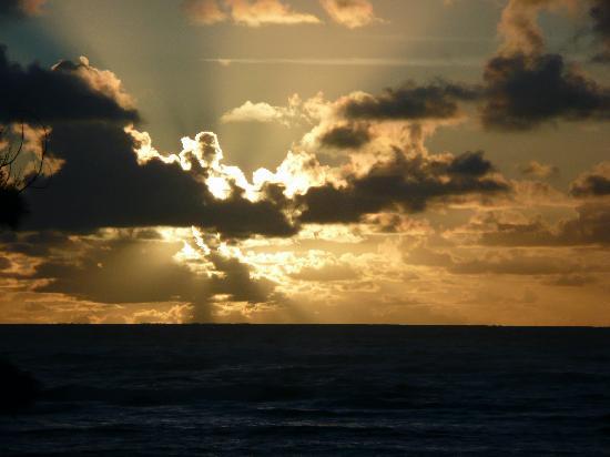 Moana Kai Beach Houses: Sunset from lanai/ and living room